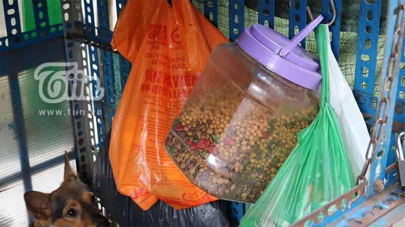 Người cha già nhặt nhạnh từng chiếc ve chai, cưu mang đàn con tật nguyền giữa Sài Gòn hoa lệ-6