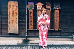 Chi Pu bị kẹt ở Nhật vì bão Hagibis
