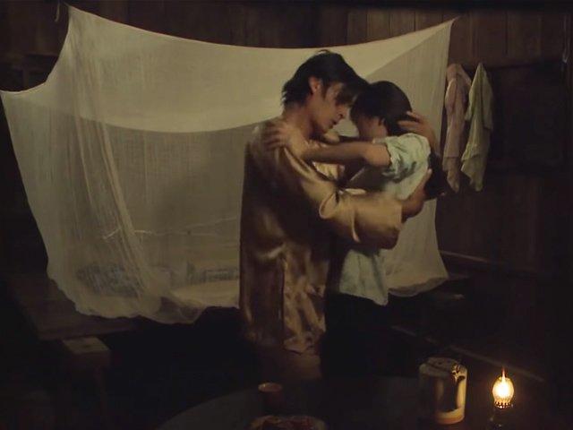 Không có chuyện 2 con của Thị Bình ăn nằm rồi có thai như bản gốc Tiếng Sét Trong Mưa-4