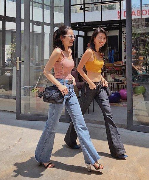 Những cặp chị em trong showbiz Việt: Giống từ ngoại hình đến cả phong cách thời trang-8