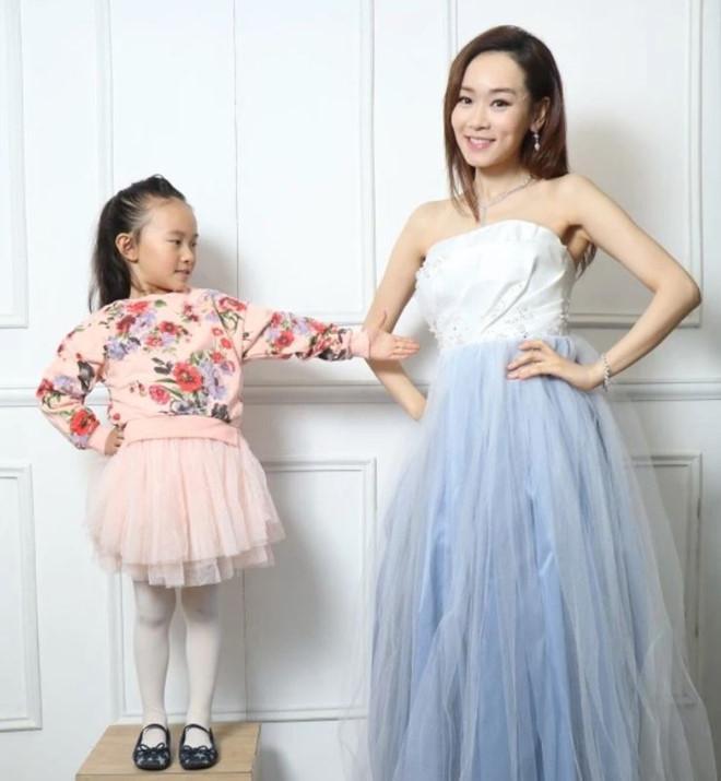 Hoa hậu Hong Kong kết hôn và mang thai ở tuổi 41-1