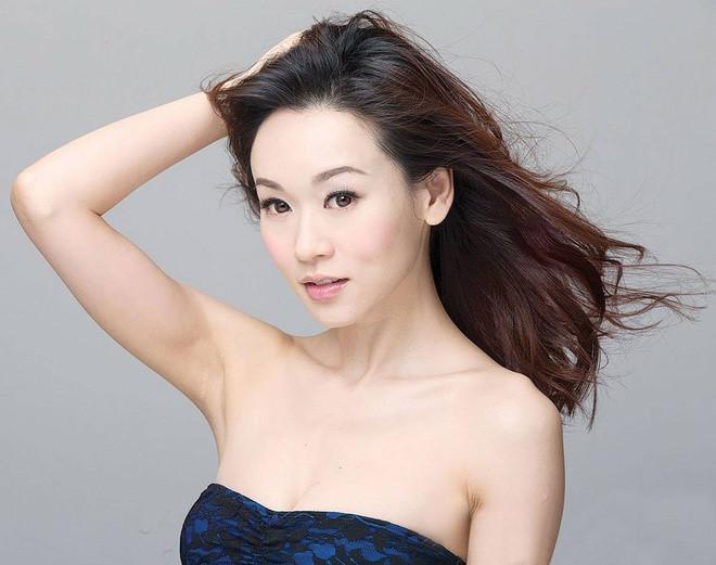 Hoa hậu Hong Kong kết hôn và mang thai ở tuổi 41-2