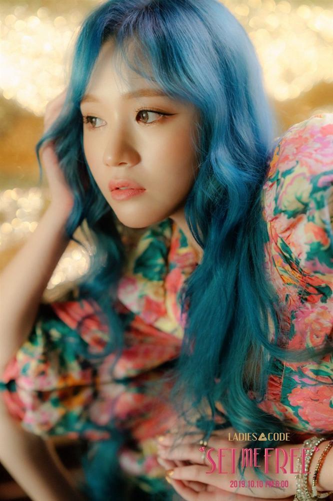 Nữ idol Kpop được chú ý vì có gương mặt giống hệt Sơn Tùng M-TP, nhất là bờ môi mazda đặc trưng-8