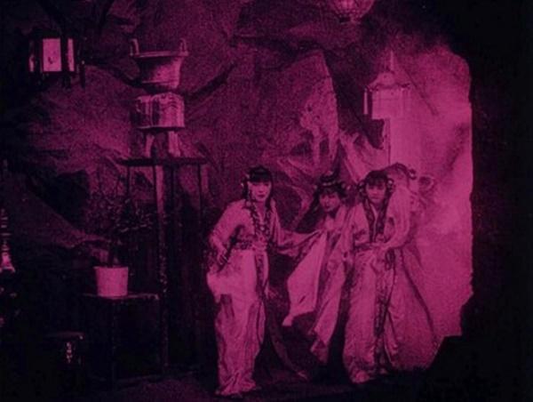 Bất ngờ với Tây Du Ký từ năm 1927: Trang phục hở hang, hoá trang như phim kinh dị-3