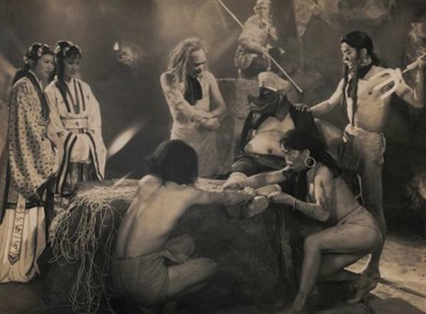 Bất ngờ với Tây Du Ký từ năm 1927: Trang phục hở hang, hoá trang như phim kinh dị-7