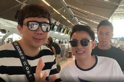 Trấn Thành biến tiếng Anh thành tiếng Thái cực đỉnh tại sân bay khiến đồng nghiệp tròn mắt