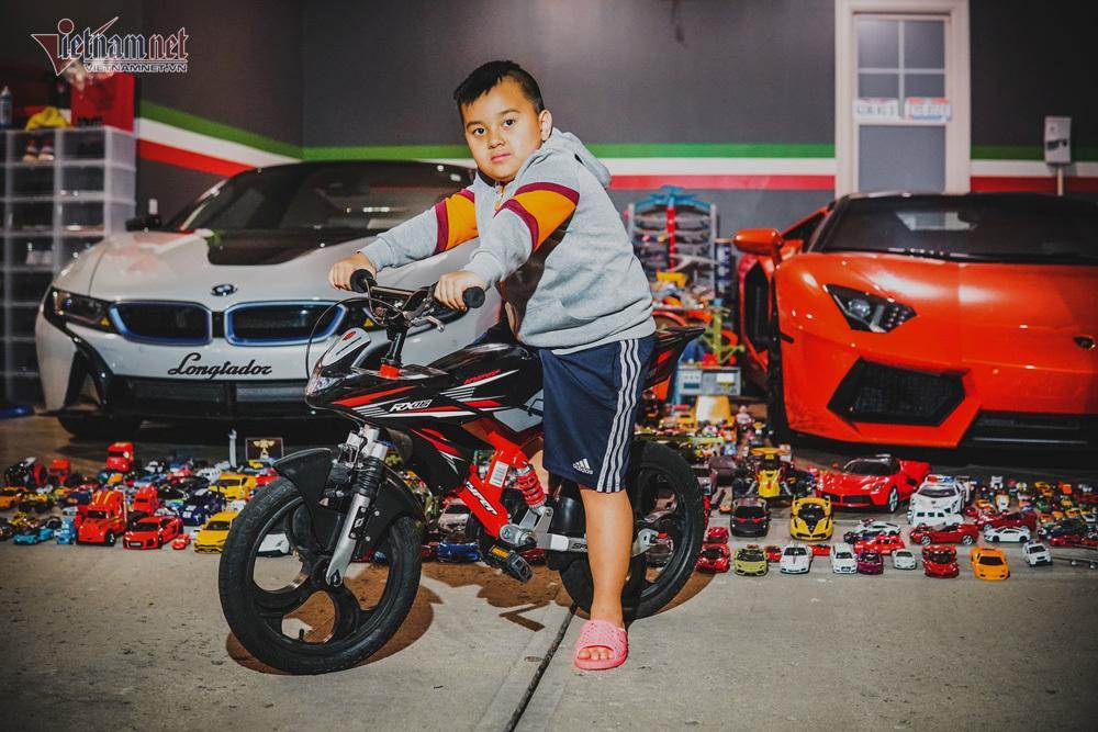 Cậu bé người Việt sở hữu 7.000 siêu xe gần tỷ đồng-12