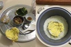 Đi làm về háo hức chờ ăn cơm vợ nấu, vừa mở nồi chồng đã hết hồn vì món hấp bên trong
