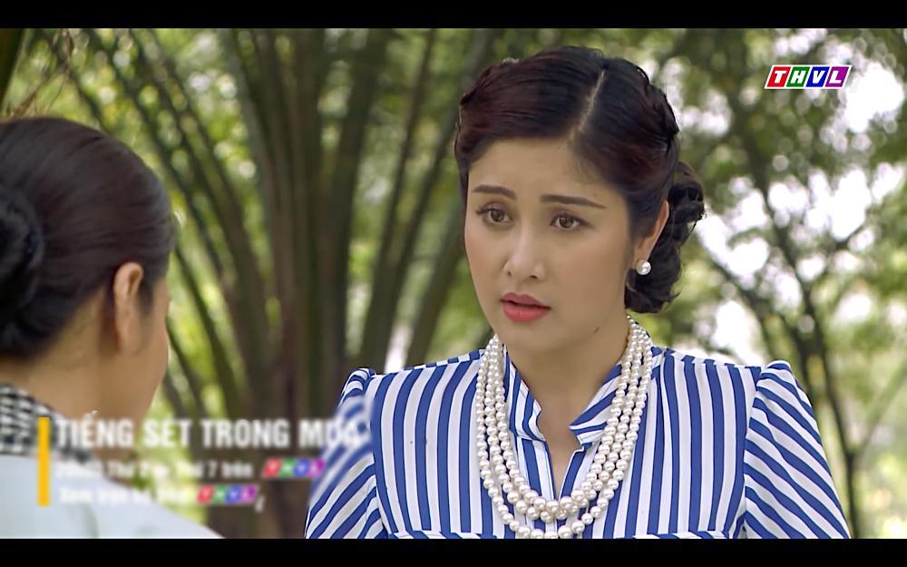 Nhật Kim Anh khóc cạn nước mắt khi thấy bài vị mình trên bàn thờ trong tập 37 Tiếng Sét Trong Mưa-12