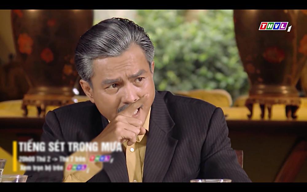 Nhật Kim Anh khóc cạn nước mắt khi thấy bài vị mình trên bàn thờ trong tập 37 Tiếng Sét Trong Mưa-13
