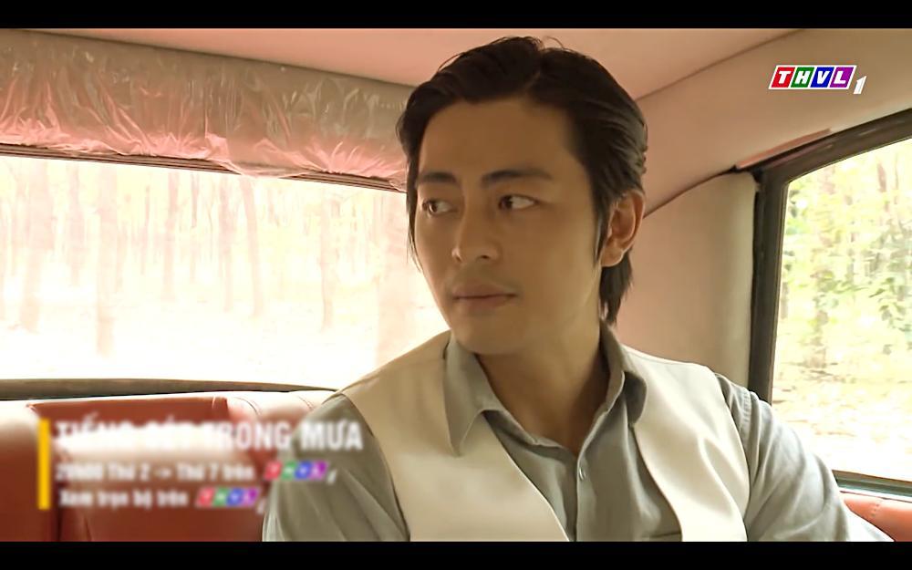 Nhật Kim Anh khóc cạn nước mắt khi thấy bài vị mình trên bàn thờ trong tập 37 Tiếng Sét Trong Mưa-14