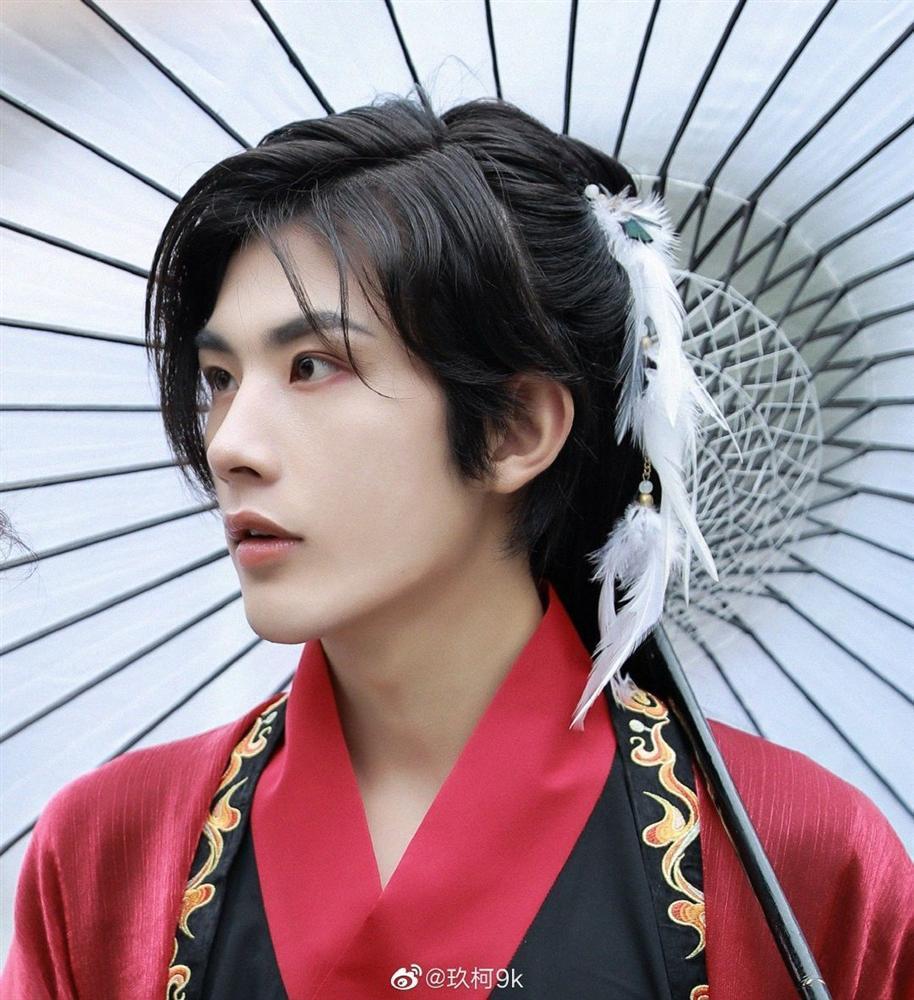 Netizen náo loạn vì diễn viên đóng thế điển trai lấn át cả Vương Nhất Bác-3