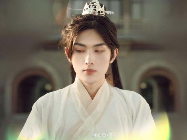 Netizen náo loạn vì diễn viên đóng thế điển trai lấn át cả Vương Nhất Bác-6