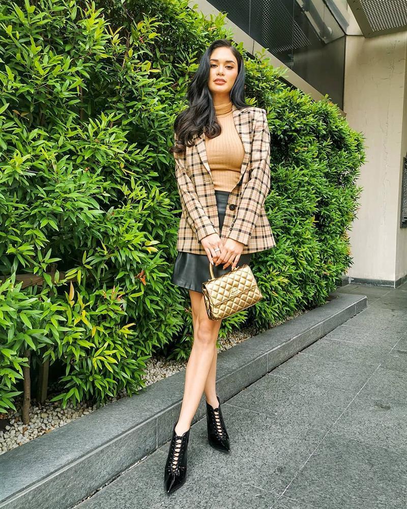 Bản tin Hoa hậu Hoàn vũ 14/10: Hoàng Thùy posing xuất sắc khiến khán giả quốc tế kỳ vọng đăng quang-10