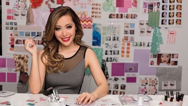 Phù thủy make-up gốc Việt Michelle Phan lên tiếng vụ ca sĩ Mỹ mặc áo dài không quần-1