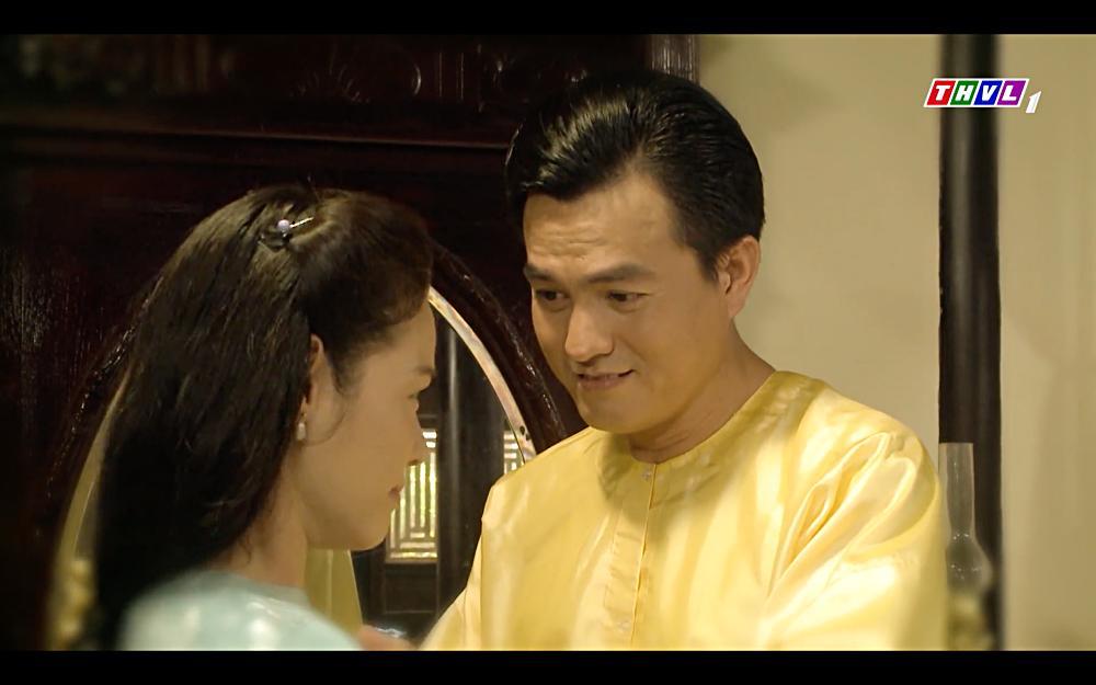 Nhật Kim Anh khóc cạn nước mắt khi thấy bài vị mình trên bàn thờ trong tập 37 Tiếng Sét Trong Mưa-4