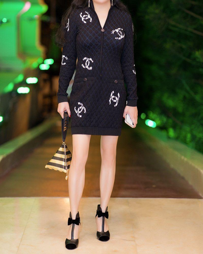Phượng Chanel bị soi photoshop quá đà đến mức đôi đầu gối củ lạc đặc trưng biến mất luôn rồi!-7