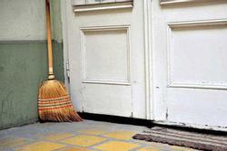 3 thời điểm tuyệt đối không quét nhà, hót rác kẻo Thần tài 'một đi không trở lại'
