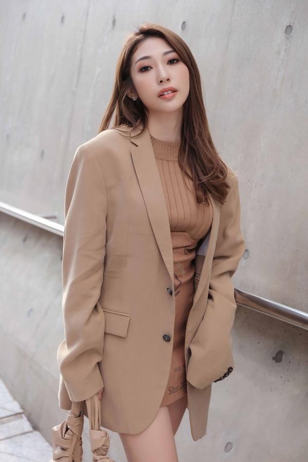 Sau khi chia tay Ngô Kiến Huy, Khổng Tú Quỳnh tái xuất chất lừ ở Seoul Fashion Week 2019-5