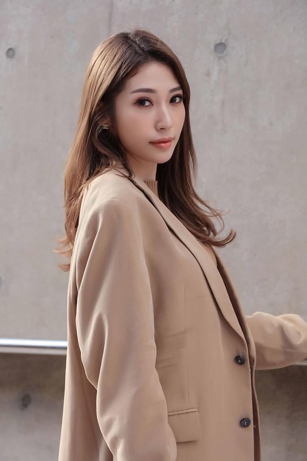Sau khi chia tay Ngô Kiến Huy, Khổng Tú Quỳnh tái xuất chất lừ ở Seoul Fashion Week 2019-7