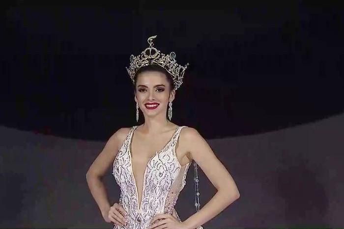 Vương miện Miss Grand International 2019 trị giá 12 tỷ đồng mà vẫn bị chê xấu-4