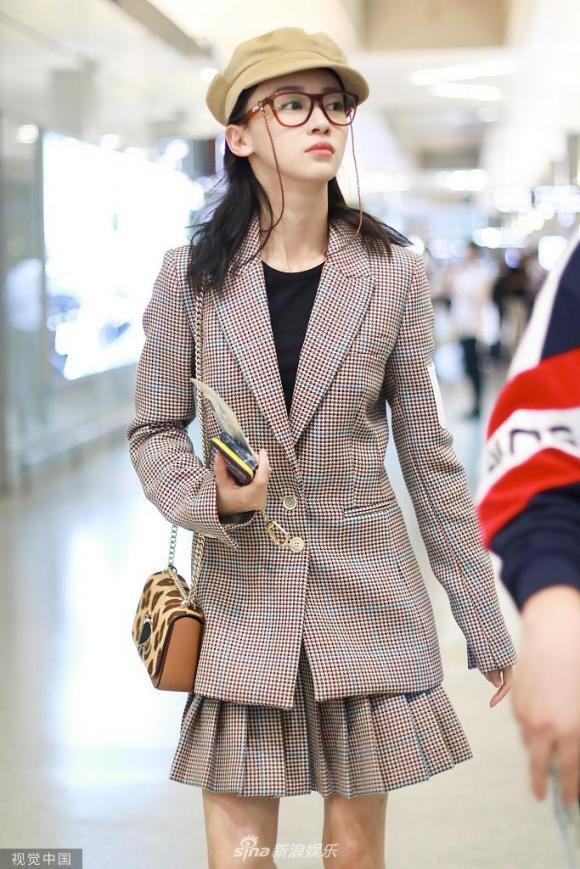 Ngô Cẩn Ngôn bỗng lùn một mẩu vì mắc lỗi thời trang sai quá sai-3