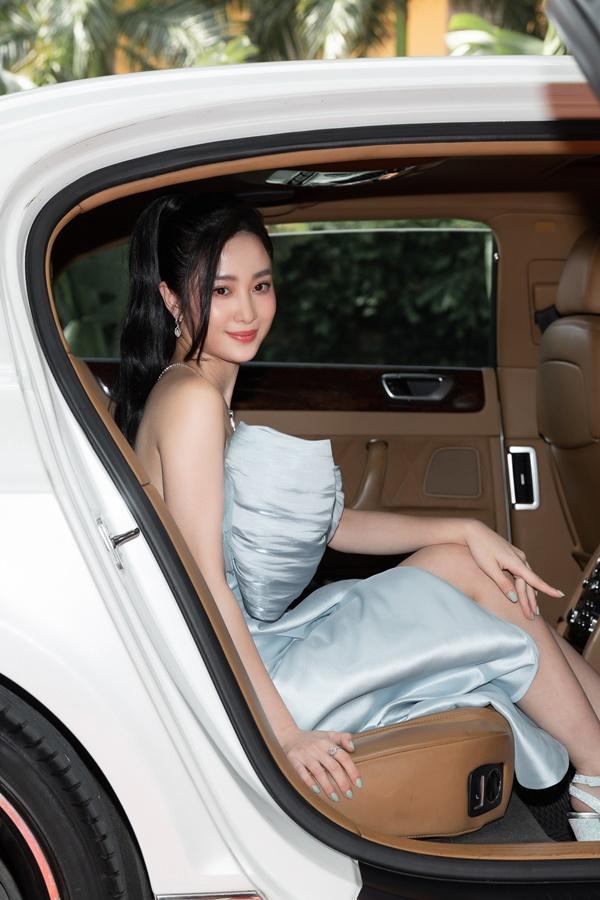 Ninh Dương Lan Ngọc, Jun Vũ xuất hiện sang chảnh bên dàn siêu xe 200 tỷ đồng-4