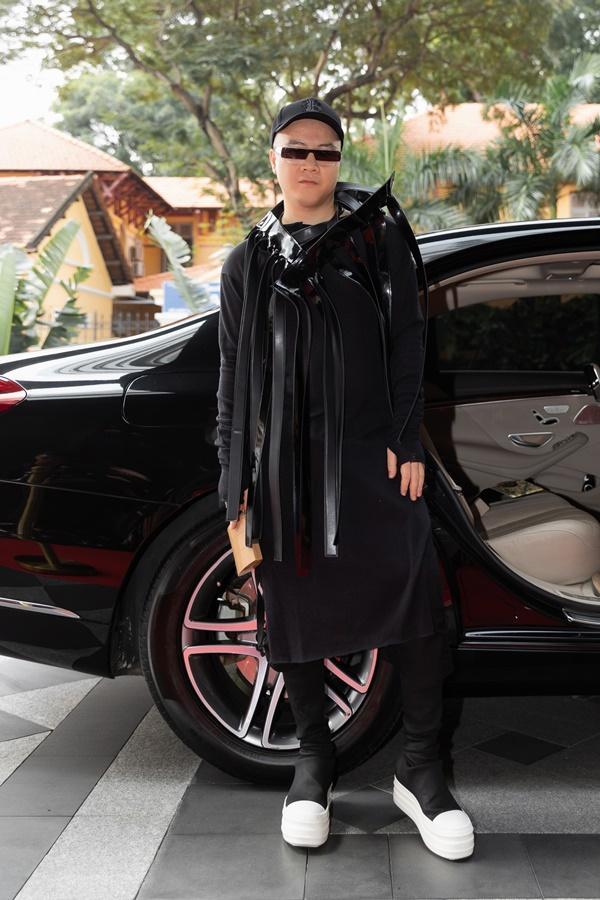 Ninh Dương Lan Ngọc, Jun Vũ xuất hiện sang chảnh bên dàn siêu xe 200 tỷ đồng-10