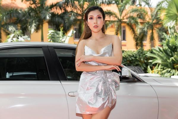 Ninh Dương Lan Ngọc, Jun Vũ xuất hiện sang chảnh bên dàn siêu xe 200 tỷ đồng-12