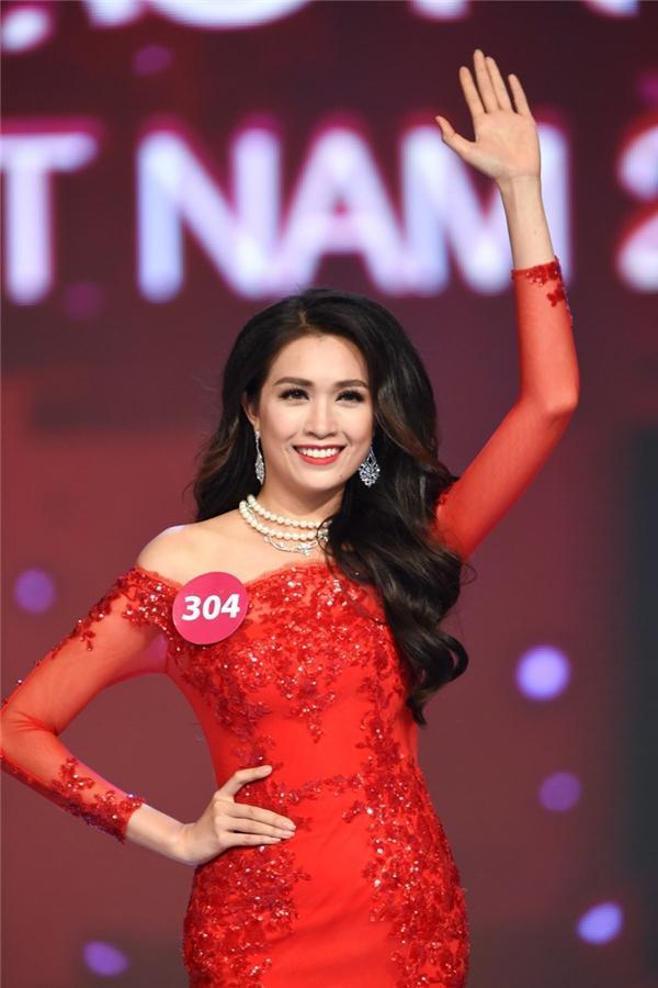 Top 5 Hoa hậu Hoàn vũ Việt Nam 2015: Người chiến thắng từ bỏ hào quang, kẻ bại trận lạc trôi giữa showbiz-9
