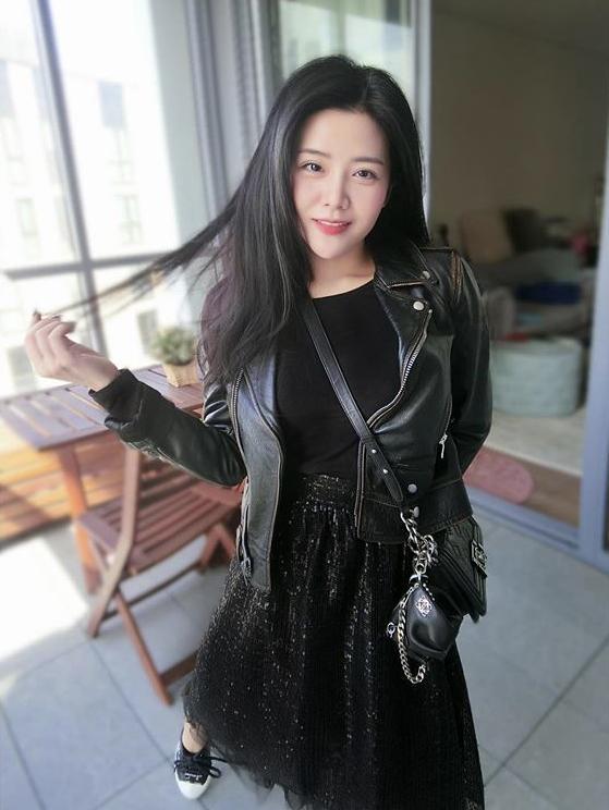 Trước thềm đám cưới Ông Cao Thắng, dân mạng săm soi cuộc sống xa hoa của cô em gái Thoại Liên-3