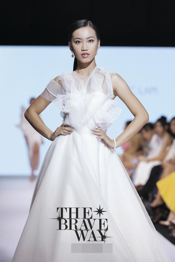 Liên tục bị chê catwalk, Thúy Vân vẫn được kỳ vọng lọt top 45 Hoa hậu Hoàn vũ Việt Nam 2019-10