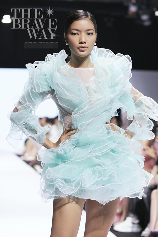 Liên tục bị chê catwalk, Thúy Vân vẫn được kỳ vọng lọt top 45 Hoa hậu Hoàn vũ Việt Nam 2019-11