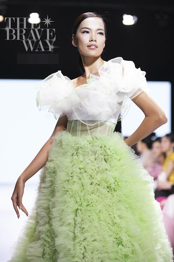 Liên tục bị chê catwalk, Thúy Vân vẫn được kỳ vọng lọt top 45 Hoa hậu Hoàn vũ Việt Nam 2019-15