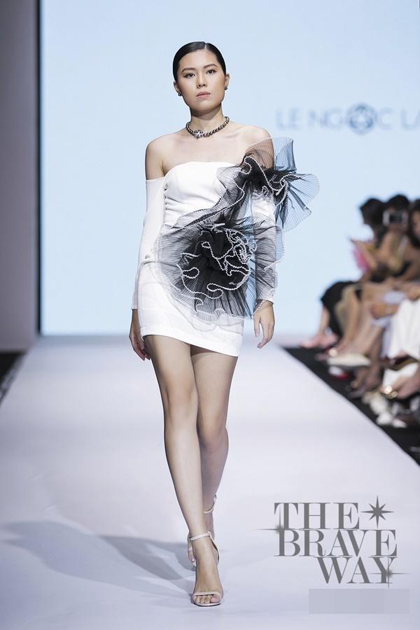 Liên tục bị chê catwalk, Thúy Vân vẫn được kỳ vọng lọt top 45 Hoa hậu Hoàn vũ Việt Nam 2019-17