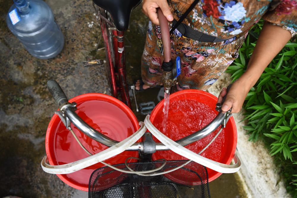 Cuộc sống người Hà Nội đảo lộn trong cơn khủng hoảng nước-6