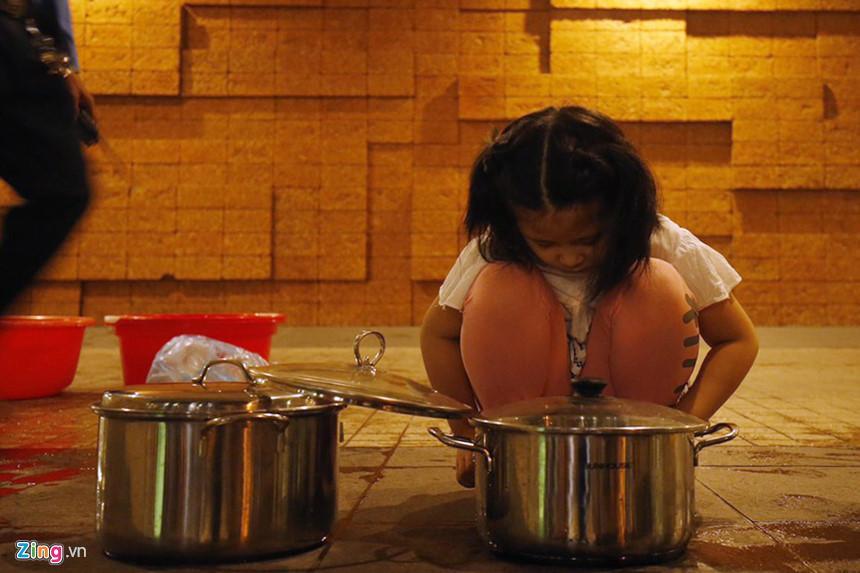 Cuộc sống người Hà Nội đảo lộn trong cơn khủng hoảng nước-13
