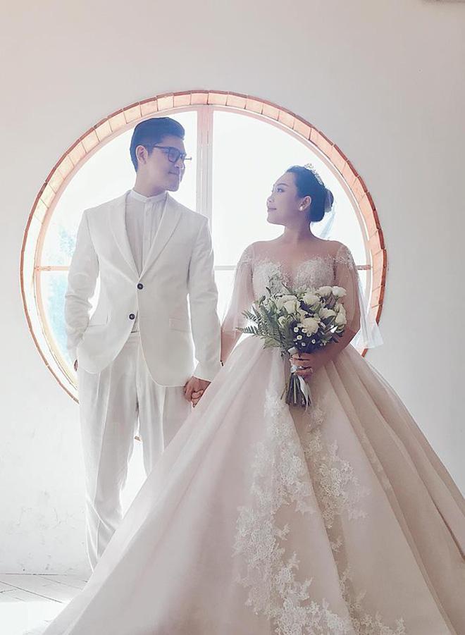 Nhà văn Gào công bố ly hôn chồng sau 10 năm gắn bó và có 3 con chung-2