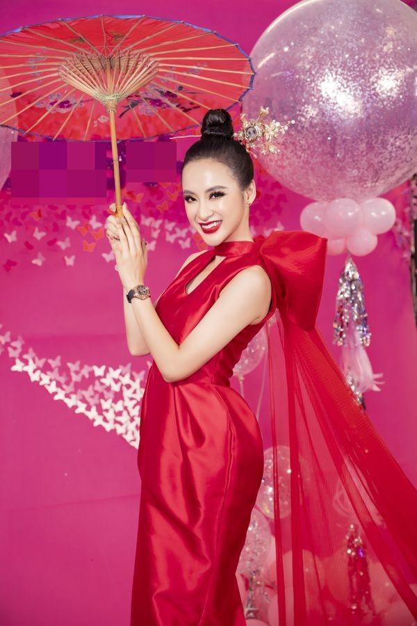Đụng hàng 1 thiết kế: Angela Phương Trinh gây khó hiểu khi đeo liền 2 chiếc đồng hồ - Tường San, Thùy Dung biến hóa xuất sắc-8