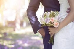 Cùng vợ tương lai đi chụp ảnh cưới, tôi ngất lịm khi 2 tháng sau em cưới luôn người này