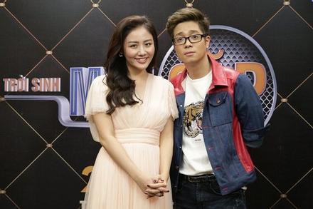 Mẹ Bùi Anh Tuấn nói gì về tin con trai sắp cưới Văn Mai Hương?