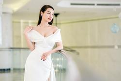 Vì sao Nhã Phương ngày càng gợi cảm, thích diện váy áo khoe vòng một?