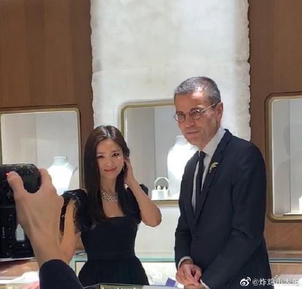 Song Hye Kyo gây tranh cãi khi dự sự kiện sau ngày mất của Sulli-3