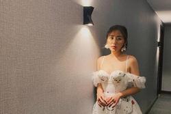 Văn Mai Hương đời thường chuộng diện váy cúp ngực, đồ dáng rộng