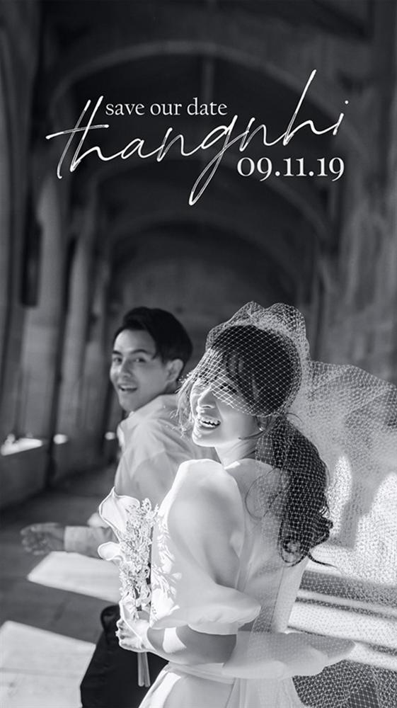 Lộ thiệp cưới giản dị của Đông Nhi và Ông Cao Thắng, 500 khách mời được cô dâu chú rể đài thọ toàn bộ kinh phí-1