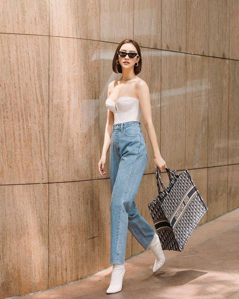 Trước ngày lên xe hoa, Đông Nhi khoe street style chất như nữ tổng tài - Thanh Hằng pose dáng gây chú ý-2