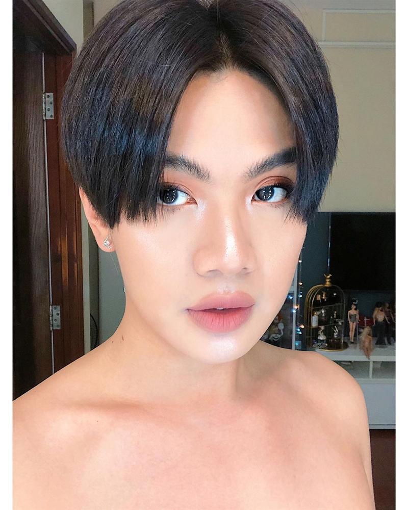 HHen Niê trang điểm theo concept mắt thâm thiếu ngủ - Lâm Khánh Chi chưa đến Halloween đã họa mặt dọa ma-3