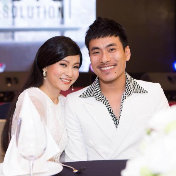 Đâu chỉ riêng nhà văn Gào, rất nhiều sao Việt cũng dính lời nguyền chia ly sau đám cưới chỉ... 7 ngày-6