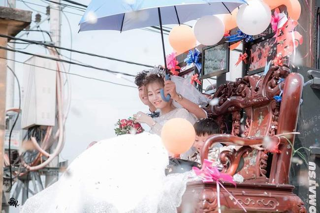 Màn rước dâu bằng kiệu gây tranh cãi mạng xã hội-2