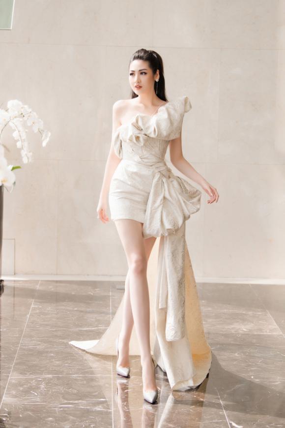 Ninh Dương Lan Ngọc hở bạo nhưng không phản cảm - Nhã Phương hóa nữ thần đẹp vạn người mê-10